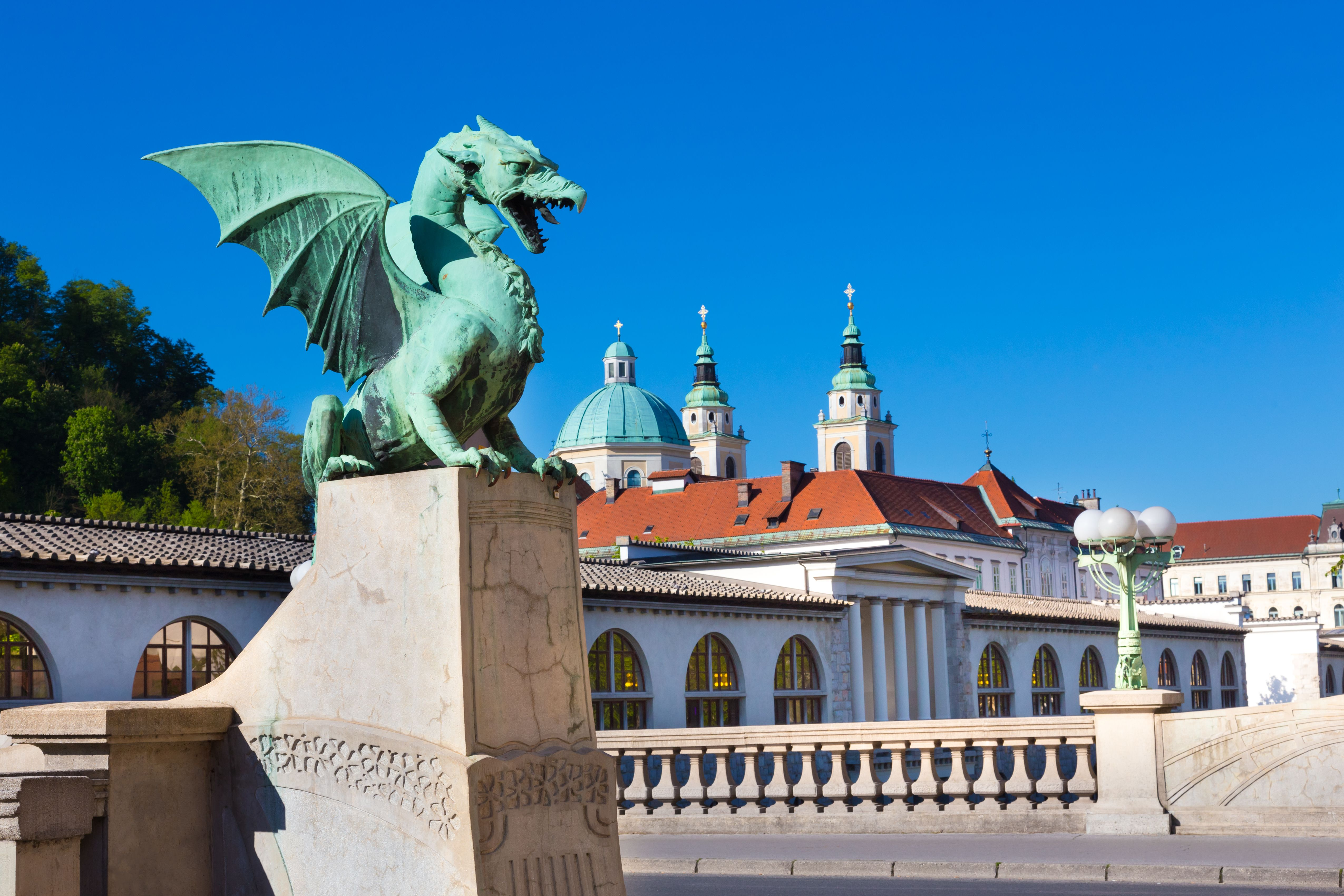 Ljubljana__Dragon_Bridge___c__Ljubljana_Tourism__Mostphotos.jpg